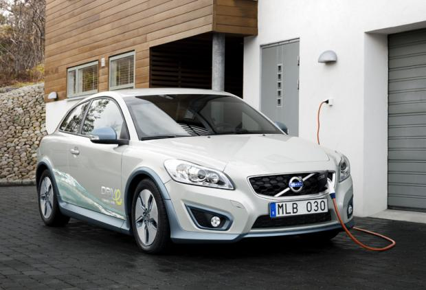 Volvo and Siemens Careers Yield Electric Vehicles