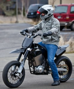 Brammo's Engage electric motorcycle with a six-speed transmission. (Credit: Brammo)
