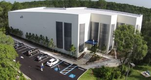 Peak 10 builds acclaimed sustainable data center in Tampa, Florida. (Image from http://www.peak10.com/tampa-3-ordinary-data-center/)